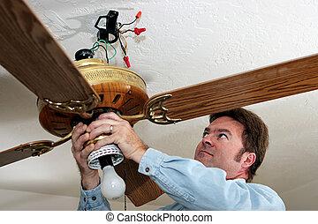 villanyszerelő, eltávolít, mennyezetbe épített ventillátor