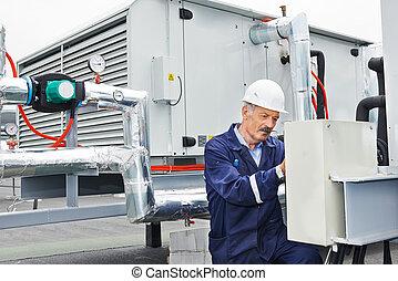 villanyszerelő, idősebb ember, munkás, felnőtt, konstruál