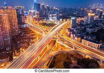 ville, échange, soir