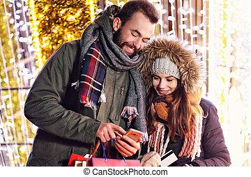 ville, achats, couple, adulte, temps, pendant, noël