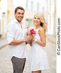 ville, couple, fleurs
