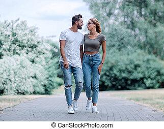 ville, couple, parc, promenade, heureux, aimer