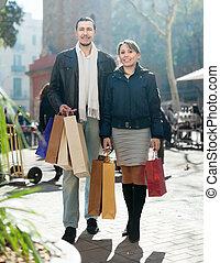 ville, couple, rue, sacs provisions