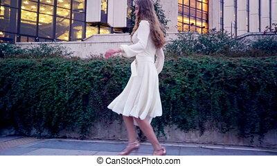 ville, courses, extérieur, élevé, stylet, rue, talons, girl