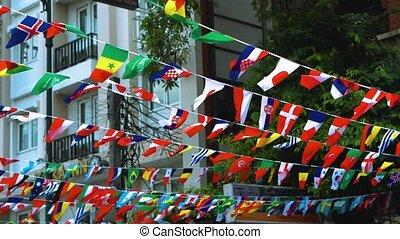 ville, différent, pays, rues, pendre, drapeaux