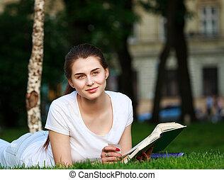 ville, femme, songeur, parc, livre, lecture étudiant