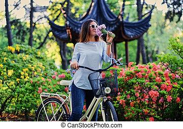 ville, femme, vélo, chinois, traditionnel, park., pavillon