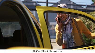 ville, hijab, dehors, sur, femme, porter, jeune