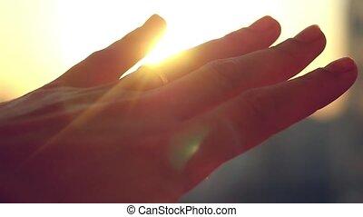ville, main, mariée, slowmotion., coucher soleil, doigt, fond, anneau, 1920x1080