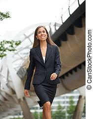 ville, marche, femme, affaires modernes