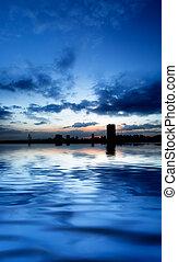 ville, nuit, rivière, panoramique
