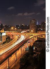 ville, overpass route, soir