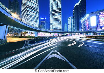 ville, périphérique, pistes lumière, nuit dans, shanghai