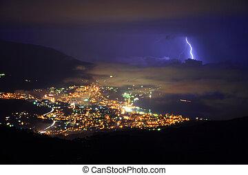 ville, sur, orage, nuit