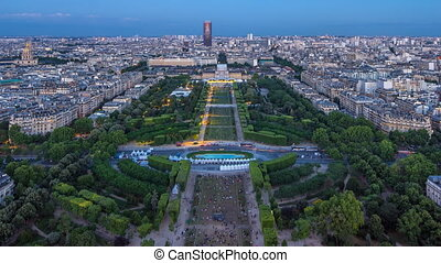 ville, timelapse., après, aérien, sommet, eiffel, paris, grand, horizon, coucher soleil, tower., nuit, jour, france., vue