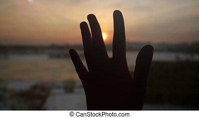 ville, touchers, lent, soleil, motion., main, fenêtre, coucher soleil, fond, 1920x1080, femmes