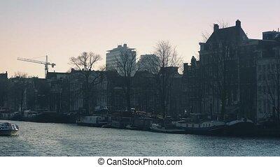 ville, tour, par, dépassement, bateau