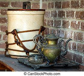 Vinatge tea set