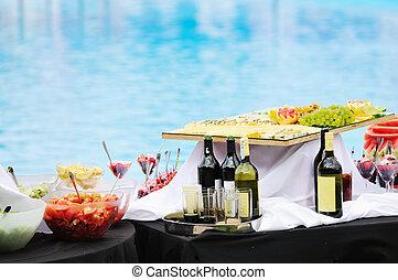 vine on table