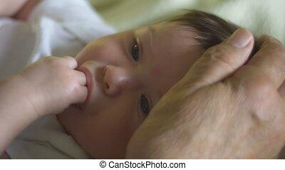 vingers, hoofd, motie, hand, liefkozen, baby, zuigen, vertragen