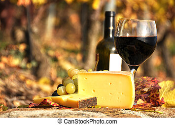 vino, queso, uvas rojas