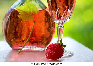 vino rosa, strawberry., vetro