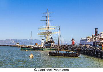 Vintage 1886 sailing ship, Balclutha, and 1914 paddle wheel...