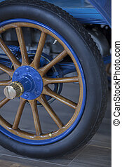 Vintage 1904 Automobile Spoked Wheel