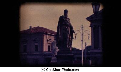 Vintage 8mm. Statues in Padova