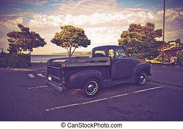 Vintage American Pickup