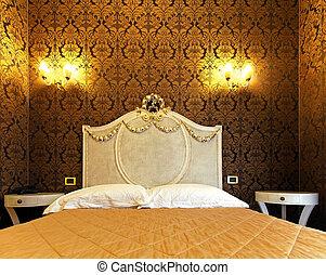 Vintage bed head