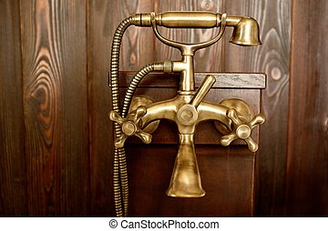 Vintage bronze douche