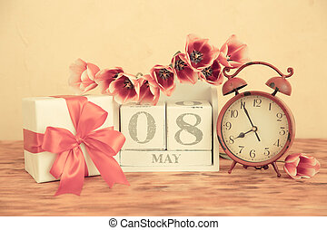 Mother's day concept - Vintage calendar 8 May. Mother's day ...