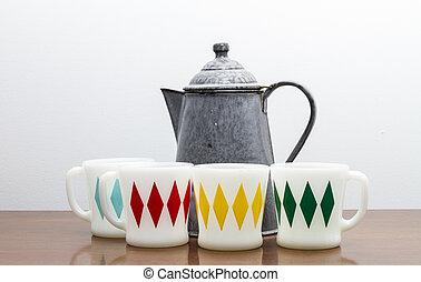 Vintage Coffee Pot and Mugs