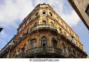 Vintage Havana building facade - Detail of vintage facade in...
