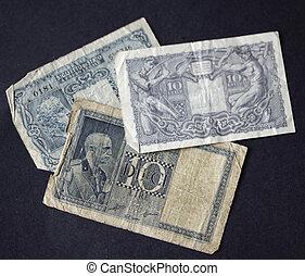 Vintage lire notes