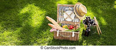 Vintage picnic hamper with vegetarian food