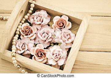 Vintage pink rose and Pearl Necklace. - Vintage pink rose...