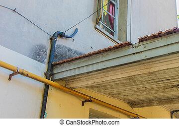 Vintage Roof House