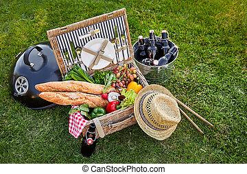 Vintage style wicker picnic hamper