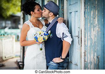 vintage wedding - Stylish Autumn wedding a beautiful bride ...