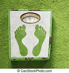 Vintage weight scale. - Vintage foot scale with green...