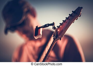 violão elétrico, tocando, closeup