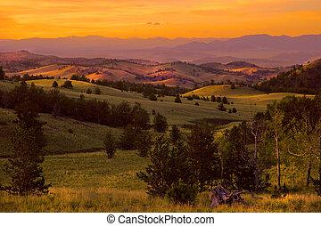 viola, montagna, tramonto