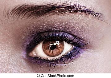 Violet Eye Makeup. Beautiful Eyes Make-up. Macro