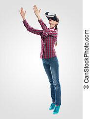 virtuel, porter, réalité, lunettes, jeune femme