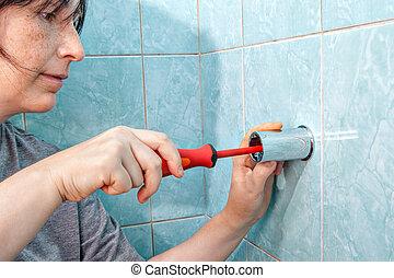 vis, serrer, femme, wall., douche, tournevis, parenthèse