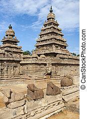 The Vishnu Shore Temple in Mahabalipuram in the Tamil Nadu region of southern India.