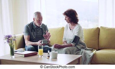 visit., visiteur santé, maison, personne agee, pendant, femme