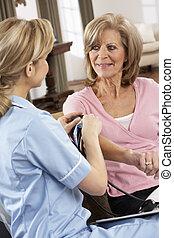 visitante, toma, mujer, presión, salud, sangre, 3º edad